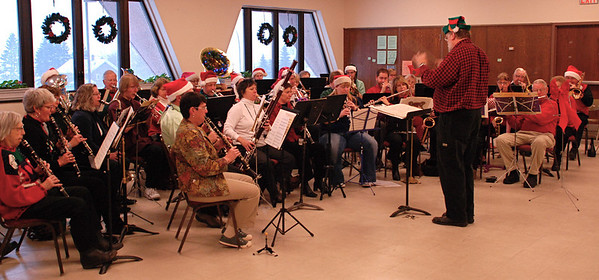 2010 12 11:  Duluth Symphonic Winds (Community Band), Bkfst w Santa