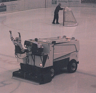 2010 11 12:  Zamboni Man, Duluth, Good Bye