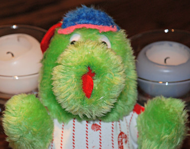 2012 06 14: Phillie Phanatic + Leg Boot
